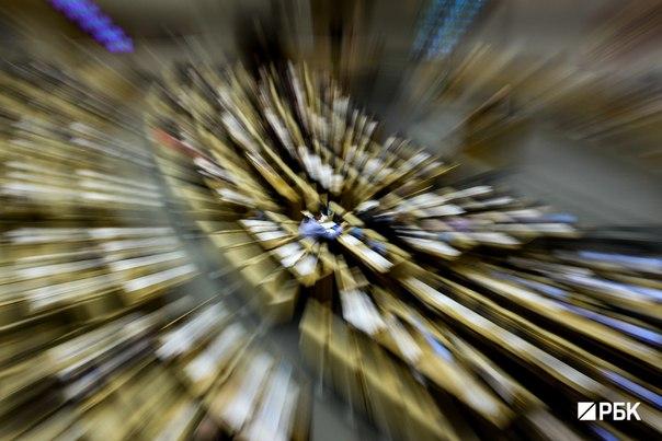 Комитет Госдумы по культуре, Минкультуры и эксперты выступили против поправок о вывозе культурных ценностей. Инициативу продвигает комитет по бюджету. Критики опасаются массового вывоза произведений русского авангарда: http://www.rbc.ru/politics/08/06/2016/575805209a7947ac55d38acc