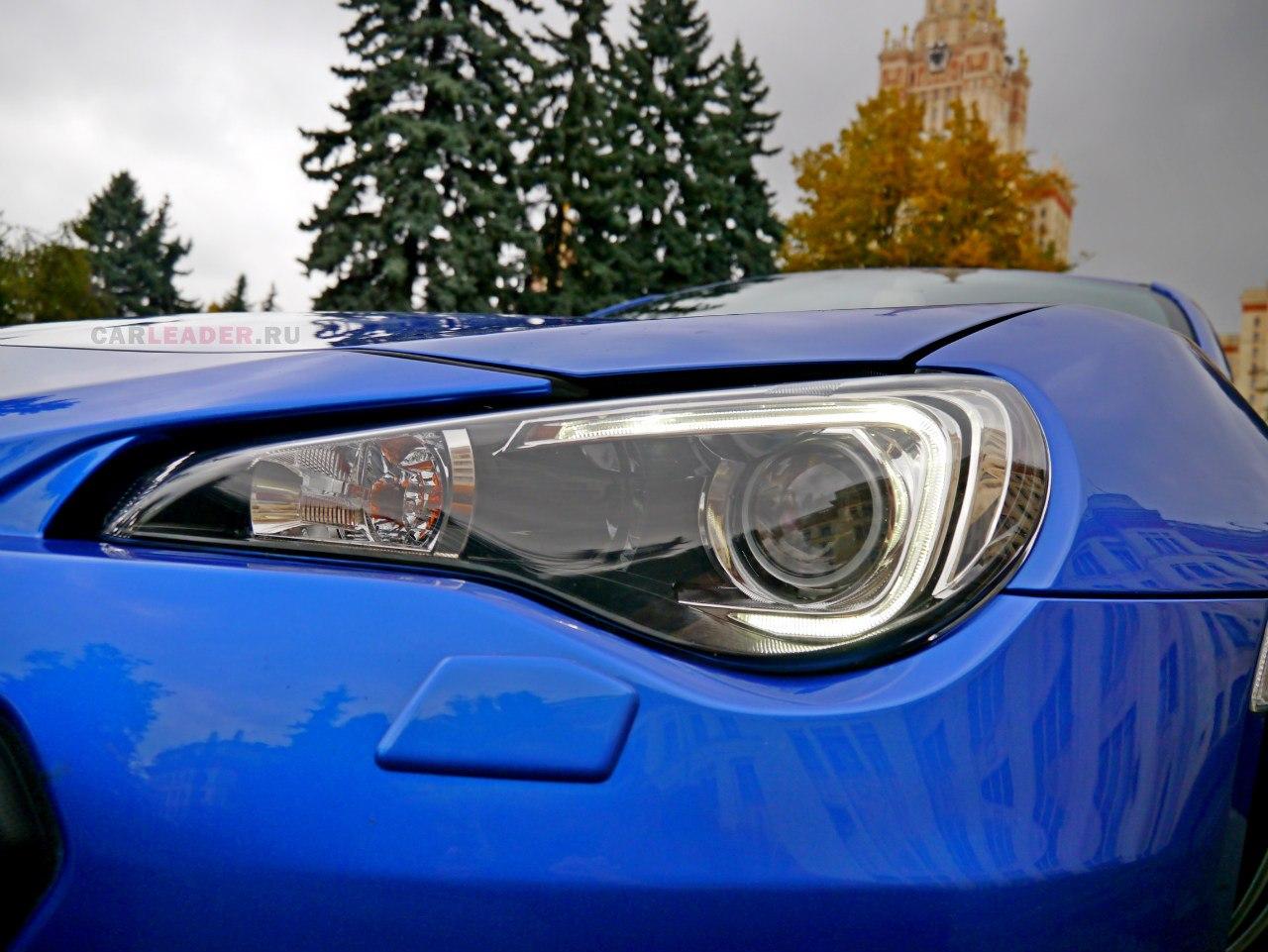 BRZ стал первым автомобилем от Subaru с диодными габаритами. Достаточно яркие даже днем.