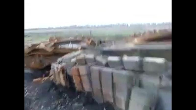 Редкодуб. 10 февраля, 2015. Подбитый Т-64БВ 7-ой омсбр ВС ДНР.