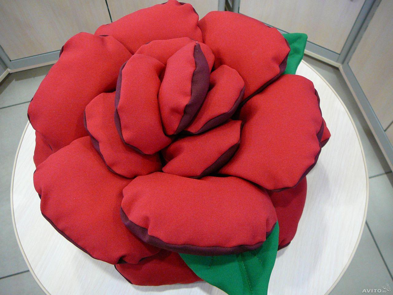 Подушка на диван роза своими руками