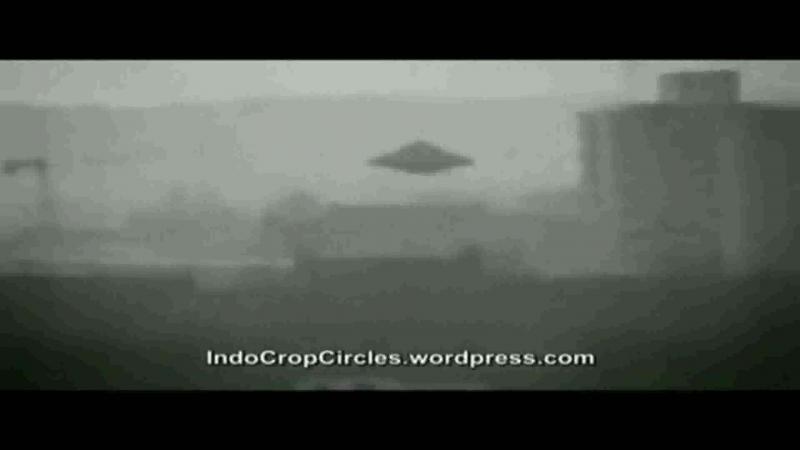 1939 - UFO (HAUNEBU IV) - Erster REICHS-FLUGSCHEIBEN-FLUG - Die WAHRHEIT ist dort draußen - Geh einfach in Dich! (Englisch)