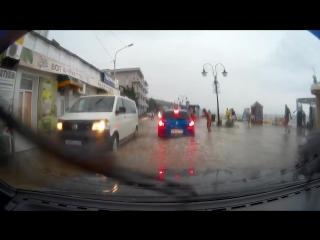 Алушту затопило после сильного шторма (18.08.2017)