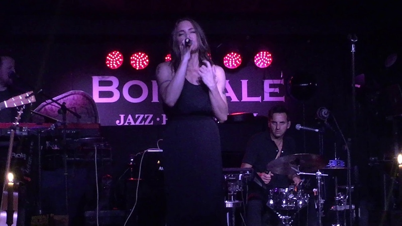 Melanie C Toxic (Britney Spears cover Boisdale Canary Wharf London)
