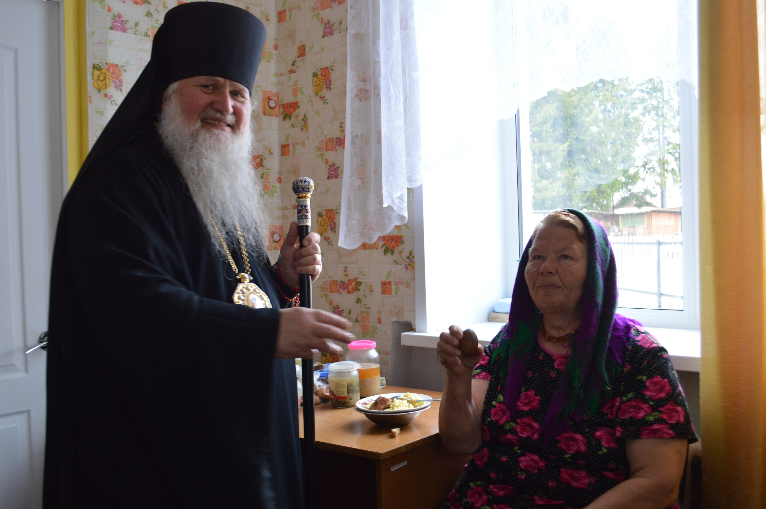 Владыка посетил социальное учреждение