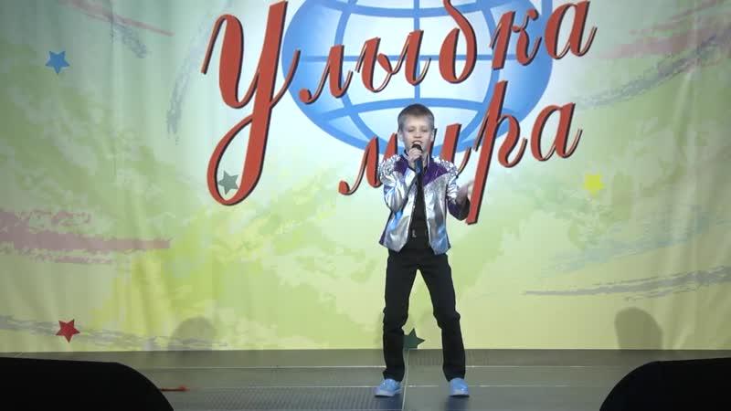 Роман Молотков -- Танцуй пока молодой