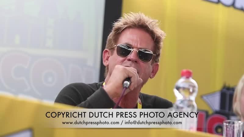 (2017) Comic Con. Amsterdam. Нет перевода
