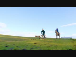 Global Biker vs Top Event Horse _ Cross Country