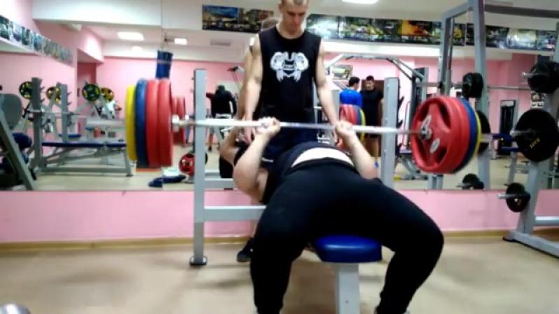 Никита Хайтович, жим лежа узким хватом 190 кг на 3 раза