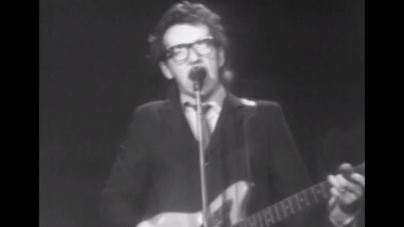 Elvis Costello the Attractions - This Year's Girl - 5/5/1978 - Capitol Theatre (Official)