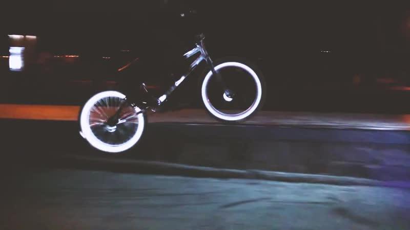 Светоотражающий велосипед скейтборд