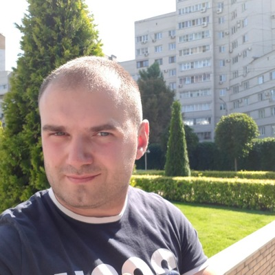 Максим Бобров