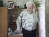 Дед Иван Дорн танцует яблочко в 75 лет