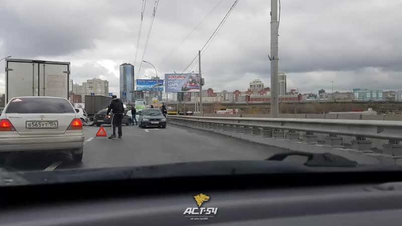 Авария на Димитровском мосту