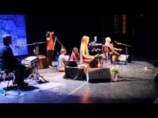 Deva Premal & Miten & Manose live in Sankt Petersburg 22/05/2014 Gayatri Mantra-2