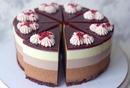 Этот тортик выглядит просто идеально! Кто бы не отказался от кусочка?