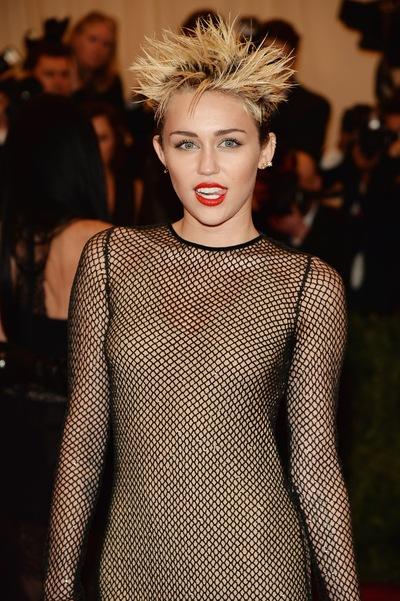 Miley Cyrus, 20 ноября 1992, Дальнегорск, id210056317