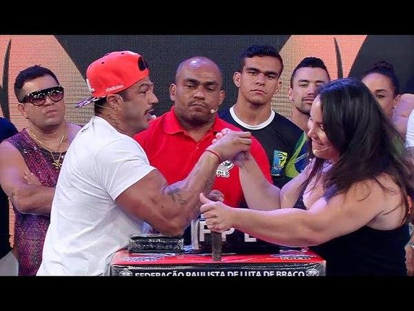 PÂNICO DESAFIO GABI X BAMBAM DISPUTA DE BRAÇO DE FERRO AO VIVO