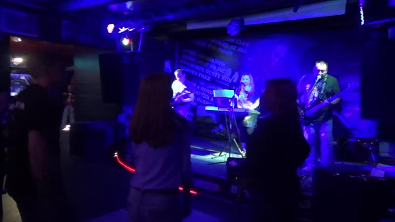 проект ЧЕРВОНЕЦ Ленинград В Питере пить cover 17 05 2019 ClubHouse