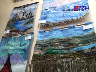 Гобелены, панно, лоскутное шитье - в музее истории города завершает работу выставка декоративно-прикладного творчества.