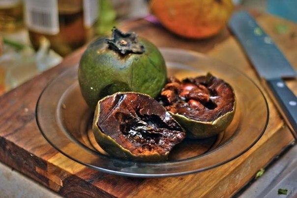 Чёрная сапота — фрукт со вкусом шоколада.