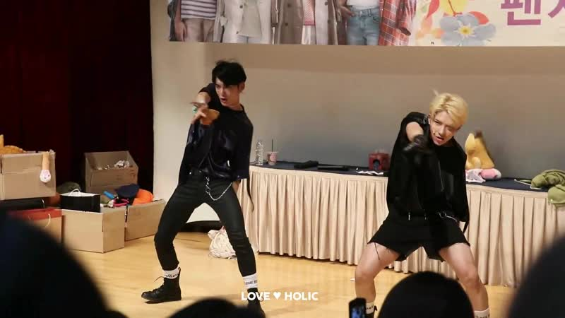 FANCAM | 23.06.18 | Wow, Jun (A.C.E - Black And Blue) @ 6th Fansign in Junggu Youth Center