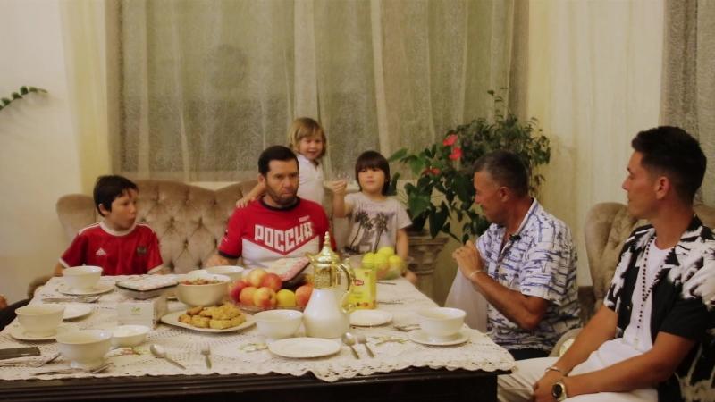 Маузир и Артур Гиниятуллины (Азнакаевский район, дер. Сарлы) в гостях у Исмагила Шангареева (Шарджа) @mauzir.agidel @arthur_mau