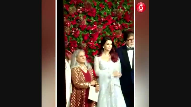 The Bachchans make a stylish entry at DeepVeer s Bollywood party - - @SrBachchan AishwaryaRaiBachchan - - @deepikapadukone @Ranv
