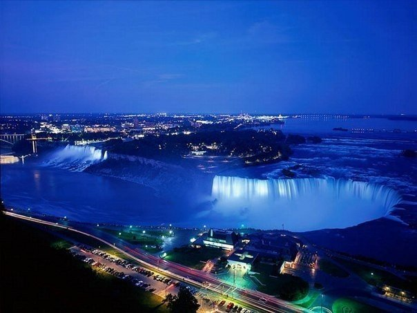 Ниагарский водопад ночью. Онтарио, Канада