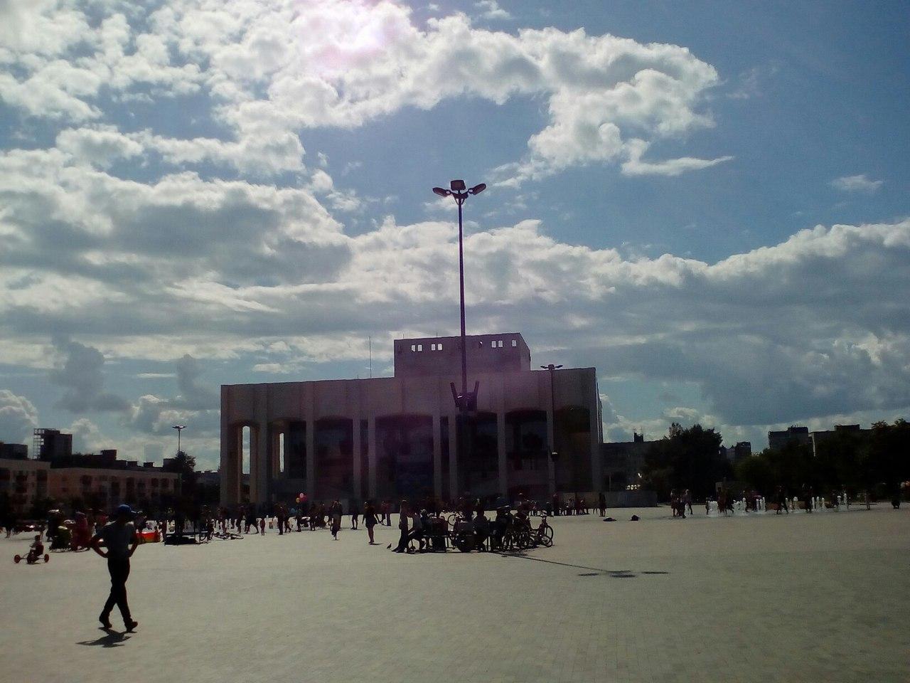 Гуляем по центру Перми. Городская эспланада, Театр-Театр и фонтан!