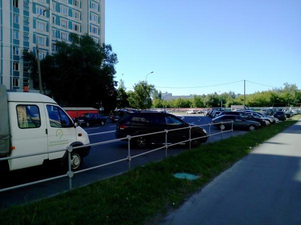 Дорожные знаки привели в порядок на Псковской улице