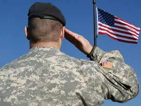 Военные рекрутеры часто используют патриотизм, чтобы апеллировать к чувству долга человека.