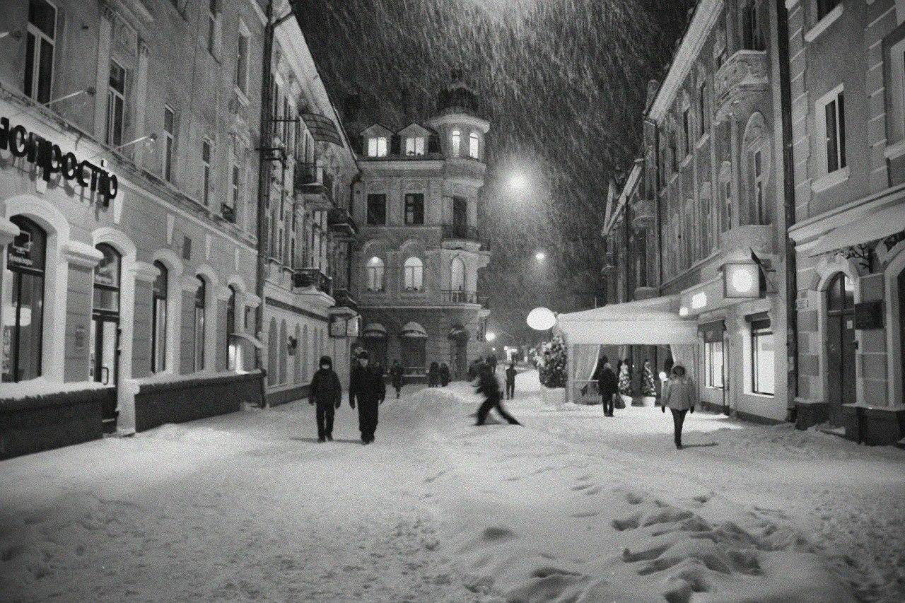Засніжена вулиця. Тернопіль. Перший сніг 2013