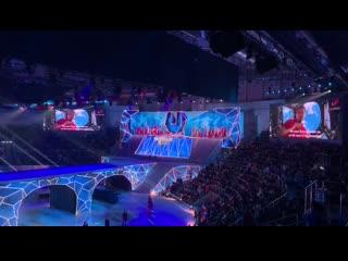 Олег Кононенко поздравляет с открытием Универсиады