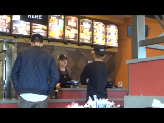 April 19: Justin spotted at Taco Bell in Sherman Oaks, California.