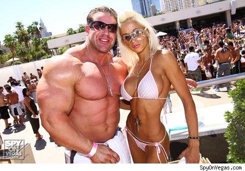 Че больше нравится мужчинам грудь или киска фото 676-119