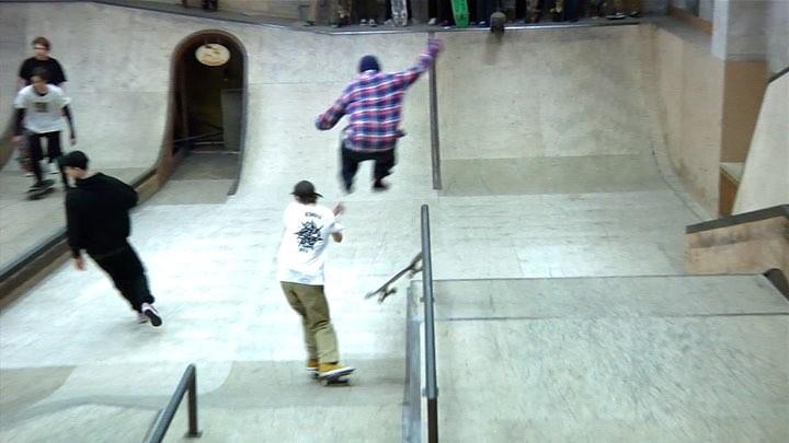 """Boardshop №1 on Instagram: """"Видео с FUN CONTEST'а прошедшего 8 декабря в скейт-парке СМЕНА почти готово! А пока, смотрим небольшую нарезочку от туд..."""