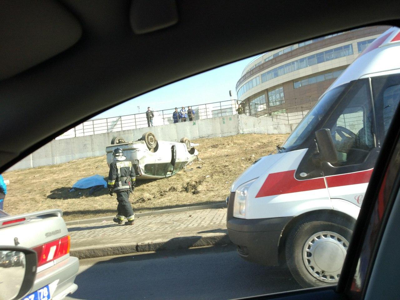 В северной столице в итоге наезда автомобиля натротуар погибли два пешехода