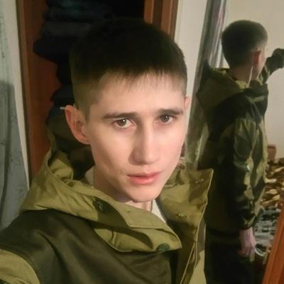 Роман Ларионов