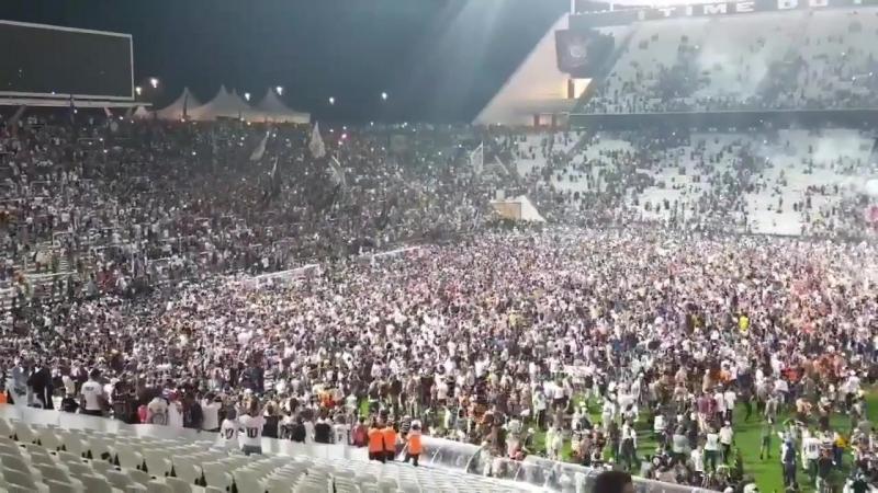 Vai Corinthians - Gaviões da Fiel puxa o grito e os...