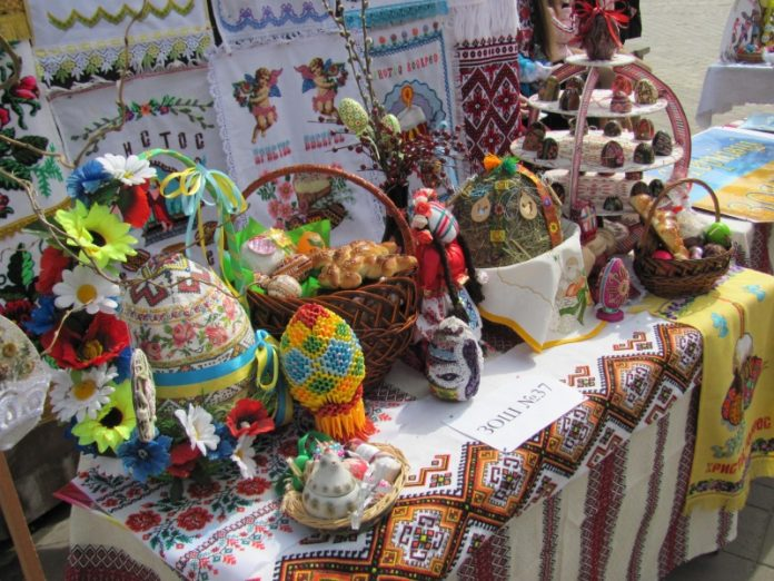 21 апреля в Донецке прошла пасхальная ярмарка