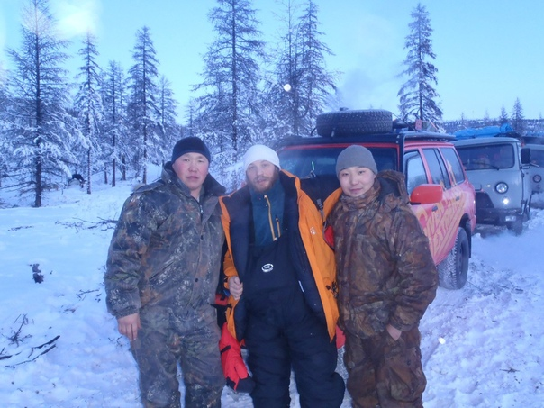 Голливудская суперзвезда Том Харди побывал в Якутии. Он до сих пор не может забыть визит в Оймякон, и не снимает амулет, который ему подарила шаманка.Вот что говорит о Якутии сам актер: Да я был