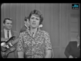 Patsy Cline - Leavin On Your Mind