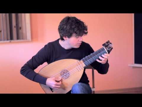 Giovanni Zamboni Romano - Sonata 6 (Allemanda), played by Uros Baric