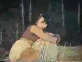 Сцена секса в индийском фильме XD
