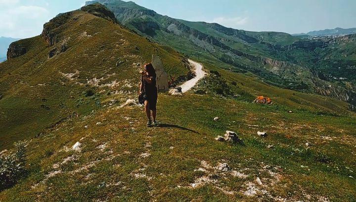 "@sokolkrut on Instagram: ""Виды в конце огонь💥 алинатыгде трип автостоп travel hitchhiking trip bums DharmaBums Caucases girl summer su..."