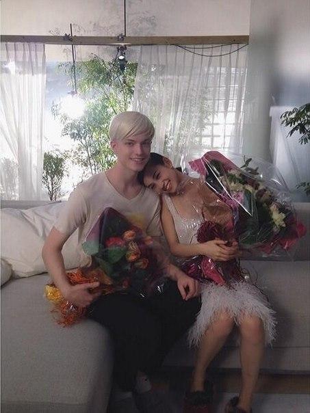 Порно рассказы Мать, сестра, и ее подружки - Инцест (С