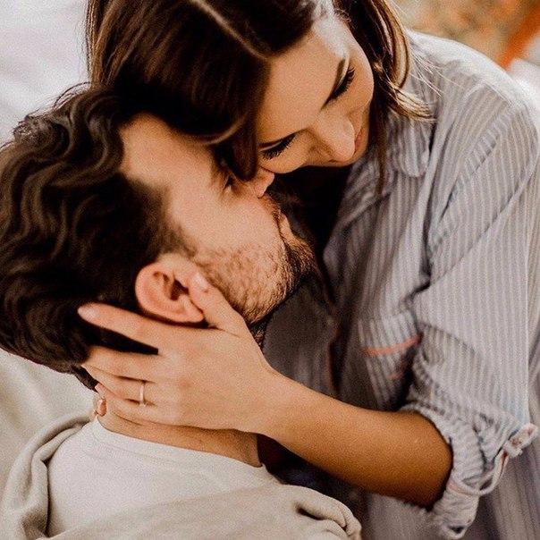 Фото нежные мужчина и женщина чувствую