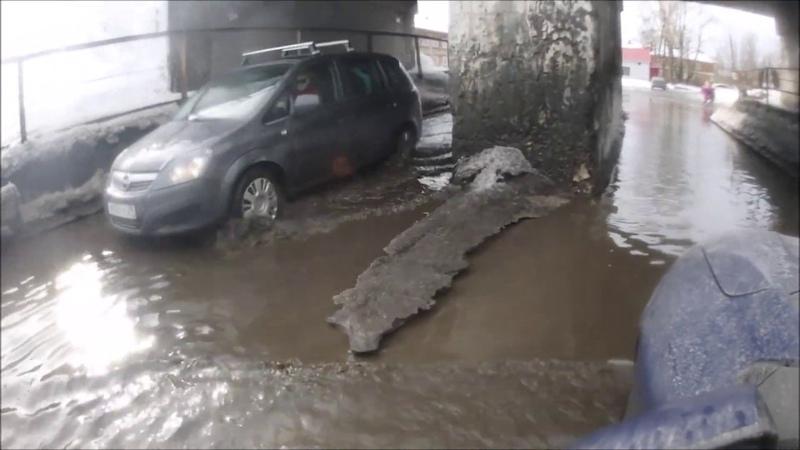 Россия-Архангельск тонет после зимы....