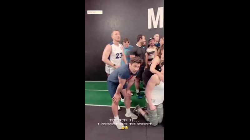 Лиам в спортзале «Metabolic» в Лондоне, 1005