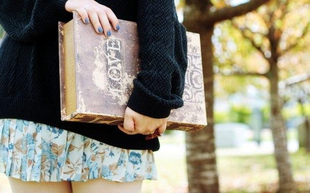 Почему надо читать книжки? Д. Дидро однажды написал о том, что люди перестают мыслить лишь в том случае, когда перестают читать. И это действительно правильное утверждение. Каждый человек прекрасно понимает, что чтение расширяет кругозор, повышает интеллектуальные способности, заставляет мыслить и анализировать (и это лишь незначительная часть положительного влияния, которое оказывает на нас художественная и другая литература). В современном мире, к сожалению, многие подростки постепенно…
